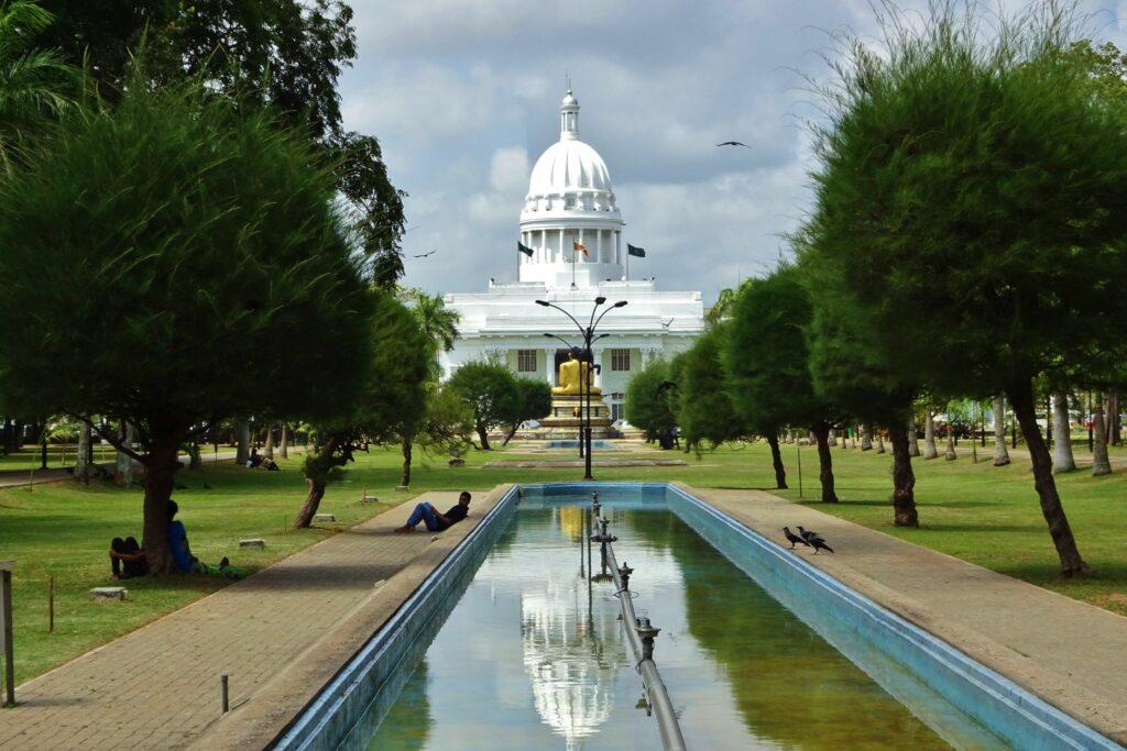 De hoofdstad Colombo waar je zult beginnen en eindigen met backpacken Sri Lanka