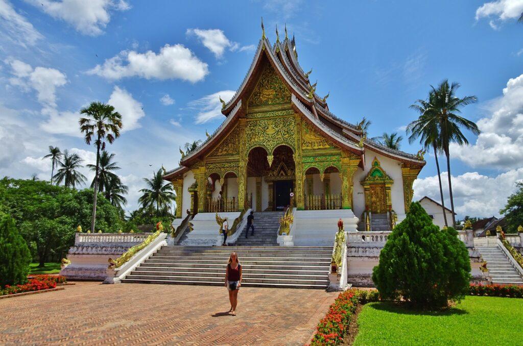 Backpacken in Laos begint in Luang Prabang, de culturele hoofdstad.