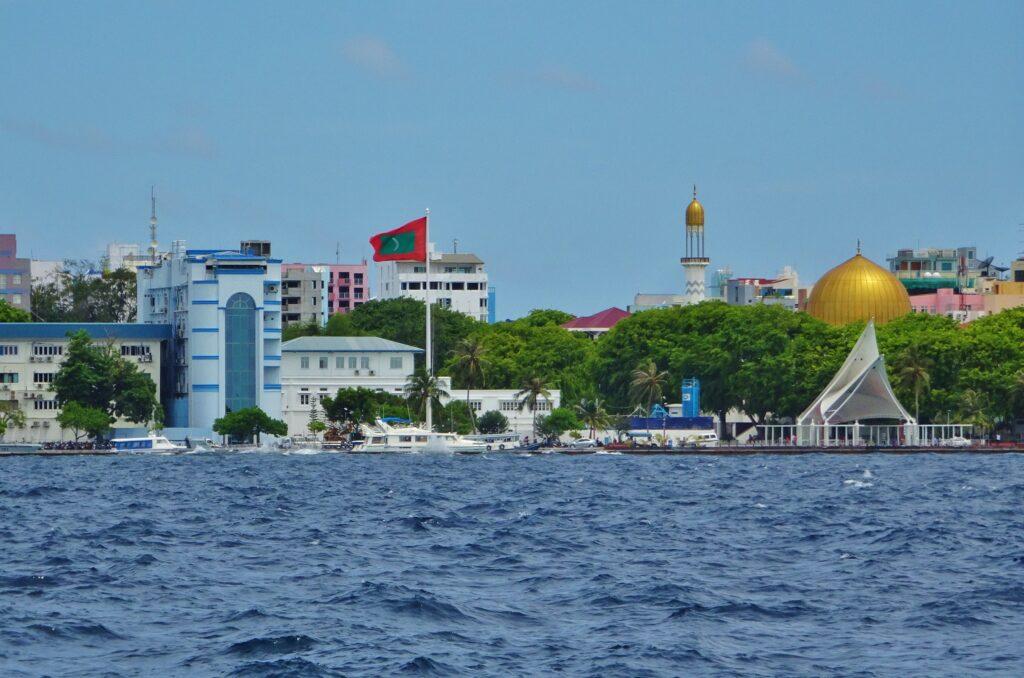 Backpacken op de Malediven: je startpunt is de hoofdstad Malé. Hier bevindt zich het vliegveld.
