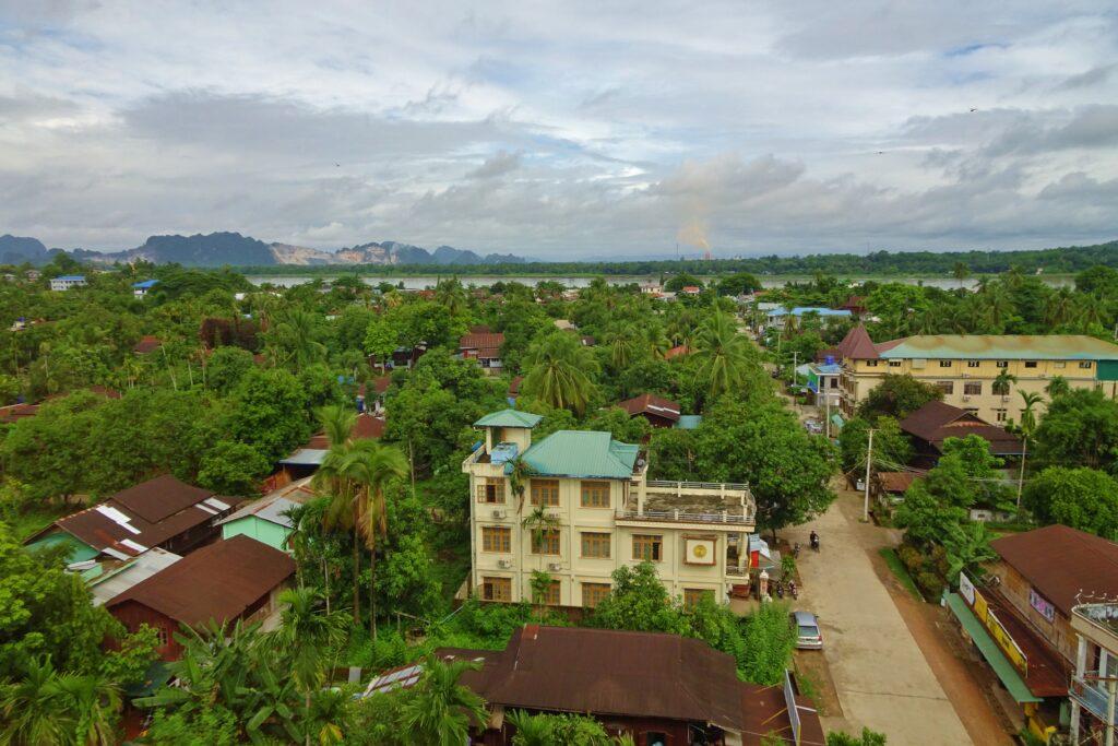 Wat een uitzicht als we beginnen met backpacken door Myanmar.