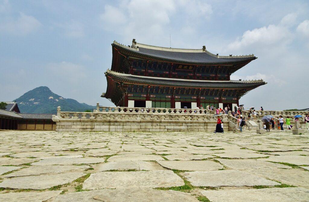 Middelpunt van je reis als je gaat backpacken in Zuid-Korea: de hoofdstad Seoul.