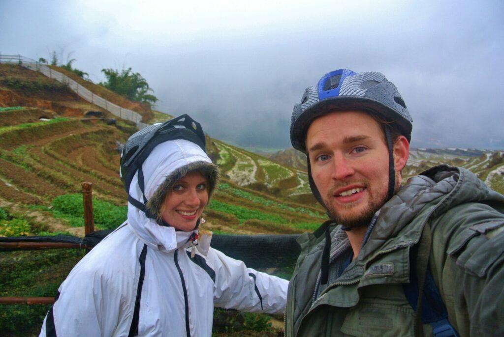 Uitzicht op de rijstvelden tijdens backpacken Sapa in Noord-Vietnam