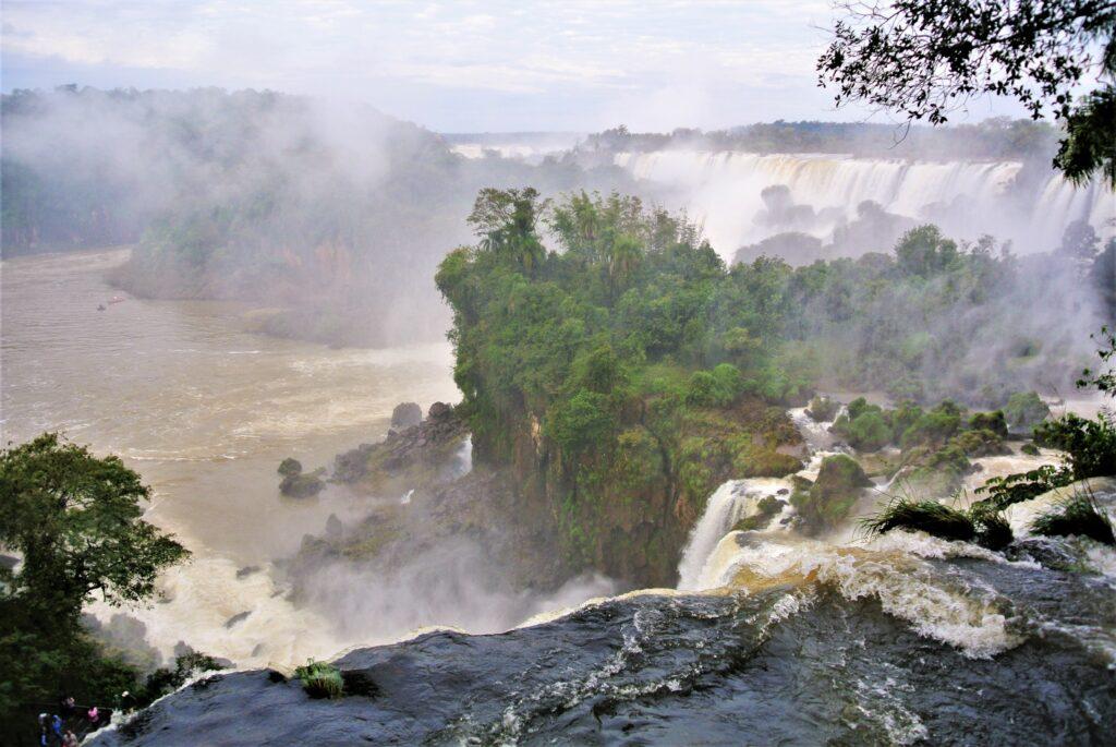 Foz do Iguaçu van bovenaf aan de kant van Brazilië